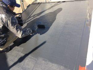 屋根塗装中塗り・上塗り