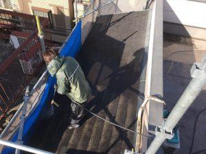 外壁塗装の下準備として高圧洗浄作業