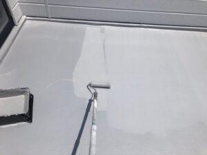 防水材を二層入れていきます