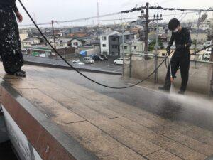 高圧洗浄による各所洗浄作業