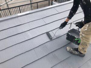 屋根の中塗り、上塗り
